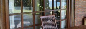 Villa Ost Terrasse im Spiegel