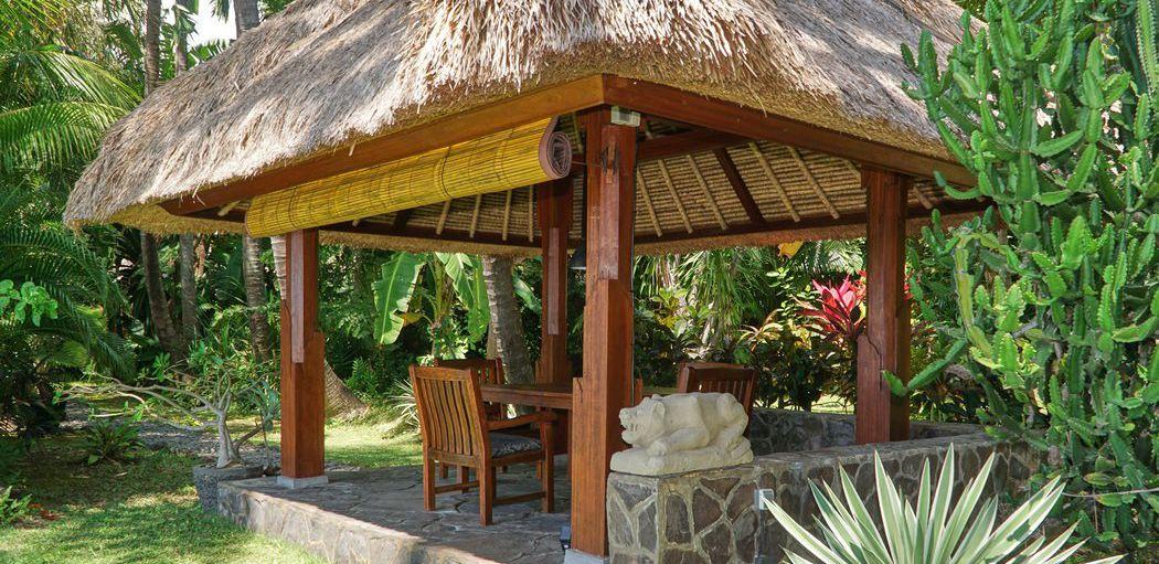 Villa mit Pavillon zum Essen und Entspannen direkt am Meer
